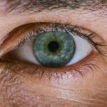Eine passende Pflege und Reinigung der Kontaktlinsen