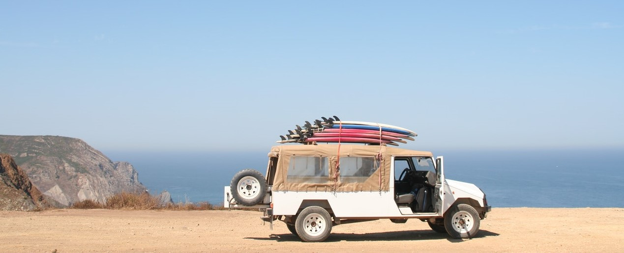 Auto am Strand